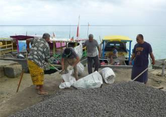 Samoa alles was auf die Insel Manono soll muss mit dem Boot transportiert werden