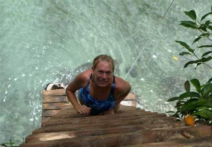 Samoa Inga auf dem Weg in den Pool To Sua Trech