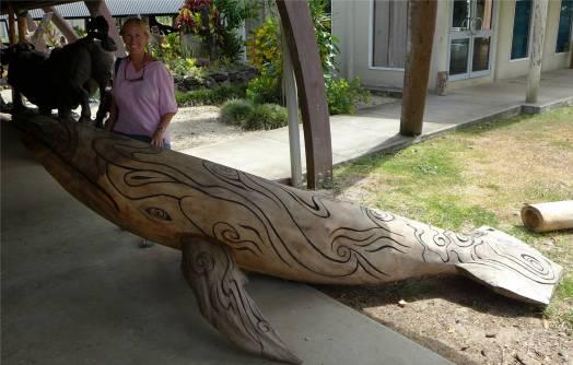 Samoa Kunst College ein bisschen zu gross fuer das Wohnzimmer