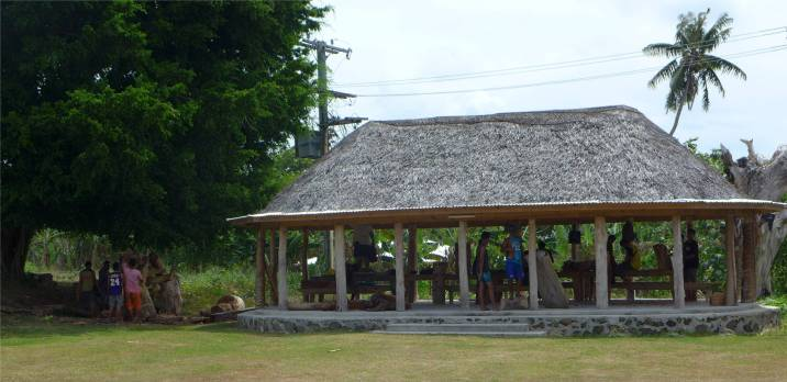 Samoa Kunst College hier wird geschnitzt