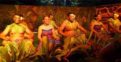 Samoa Show froehlich und mitreissend