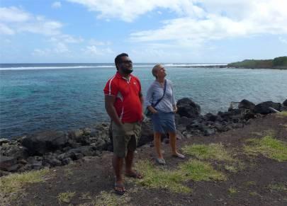 Samoa Tai gibt unermuetlich Auskunft