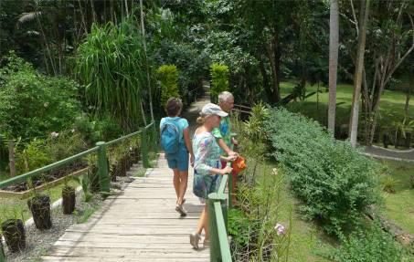 Fiji Orchideengarten mit den Sawadivas unterwegs