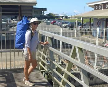 Unser wasserdichter Rucksack bringt die Wäsche zum Waschsalon in Kourou