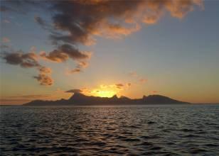 FP Sonnenuntergang mit Moorea in der Hauptrolle
