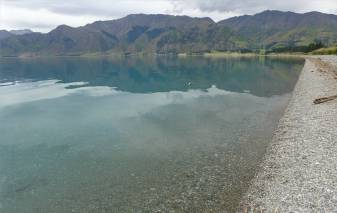 NZ der glasklare Lake Haewa