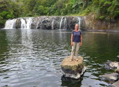 NZ Kerikeri Inga und Wasserfall