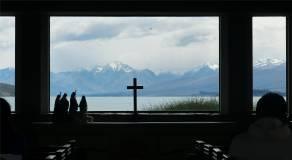 NZ Kirche Lake Tekapo Aussicht statt Altarbild