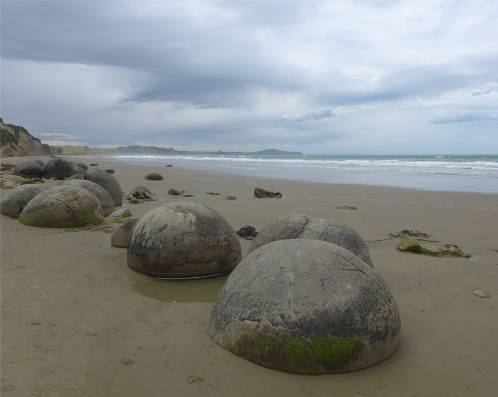 NZ Moeraki Boulders