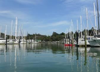 NZ Opua in der Marina auf dem Weg zum Dinghidock