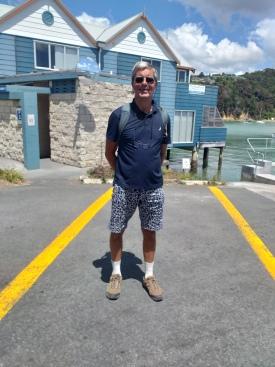 NZ Opua Nobbi wartet auf die Faehre