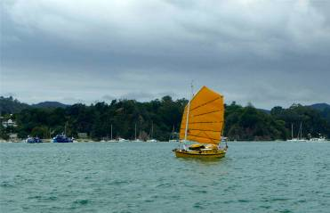 NZ in der Bay of Islands kleines Boot