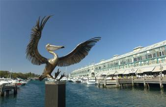 Sydney eine Skulptur die froehlich macht