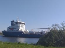 Bremen und umzu 20 Schiffssverkehr auf der Weser