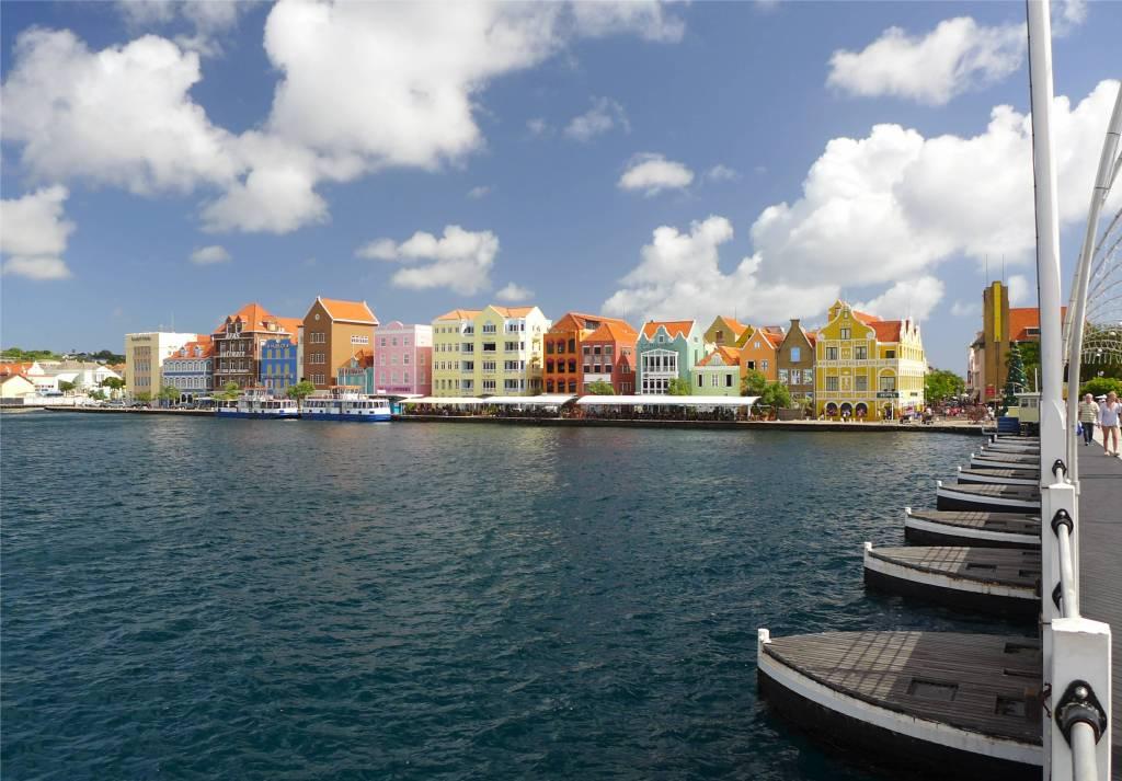 25 Willemsstads berühmte Waterfront auf Curacao
